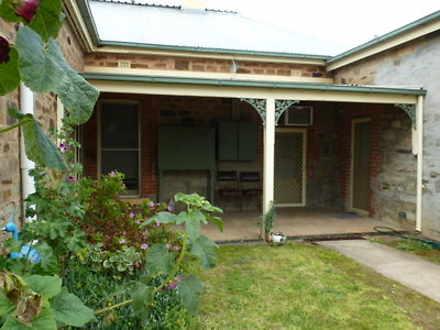 House - UNIT 2/28 Victoria ...