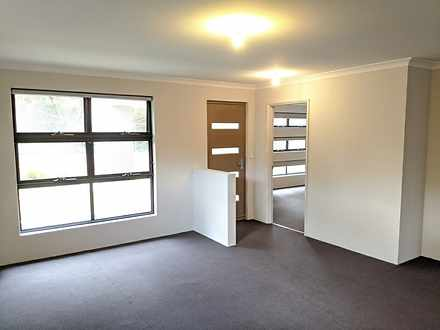 House - 25 Olearia Alley, D...