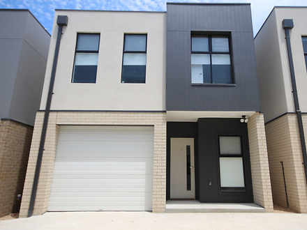 Townhouse - 2/8-10 Fortitud...