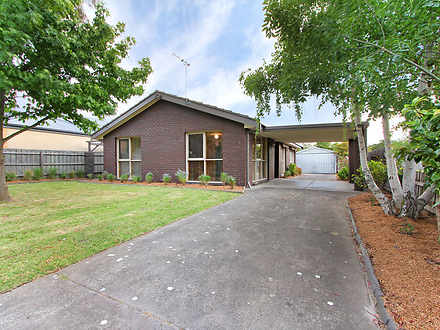 House - 8 Foothills Avenue,...