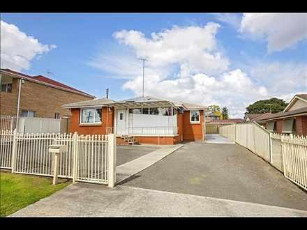 House - 154 Hoxton Park Roa...