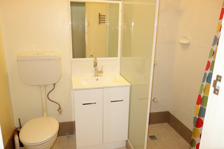 06a7c55e53a8473c9c6e4198 15005 004 bathroom 1593677783 primary