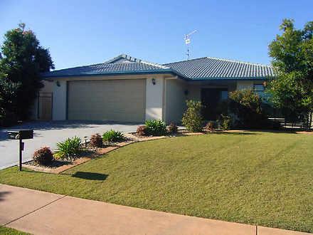 House - 27 Lomandra Drive, ...