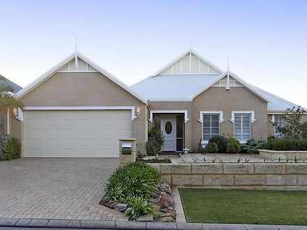 House - 8 Bayfield Crescent...