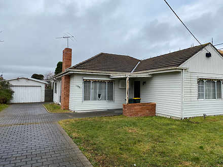 House - 11 Clovelly Avenue,...