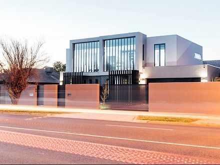 Townhouse - 989A Centre Roa...