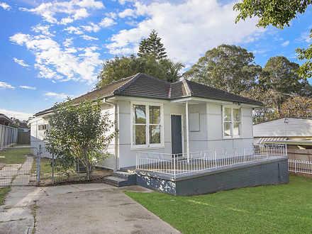 House - 31 Gallop Grove, La...