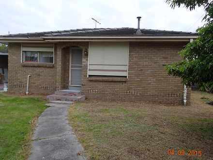House - Oakes Avenue, Clayt...