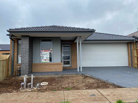House - 34 Lucerne Drive, T...