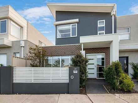 Townhouse - 26 Debra Avenue...