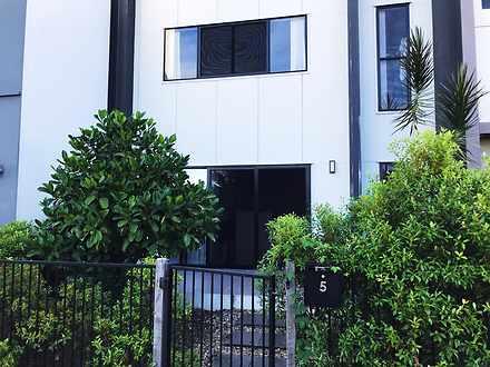 House - 5 Mackenzie Drive, ...