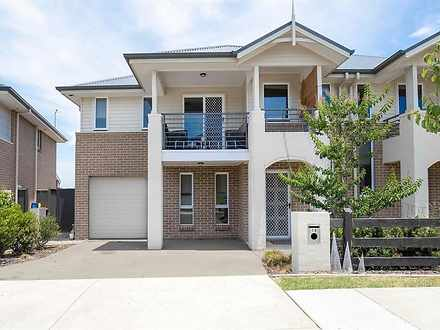 House - 10 Fernleigh Court,...