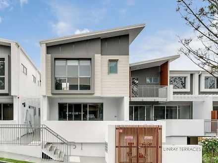 House - 3/22 Travill Street...