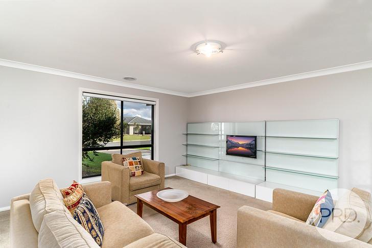 2 Warambee Crescent, Glenfield Park 2650, NSW House Photo
