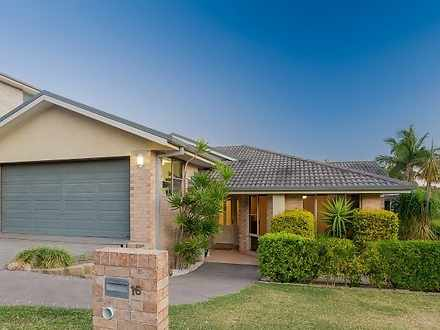 House - 16 Fernleigh Avenue...