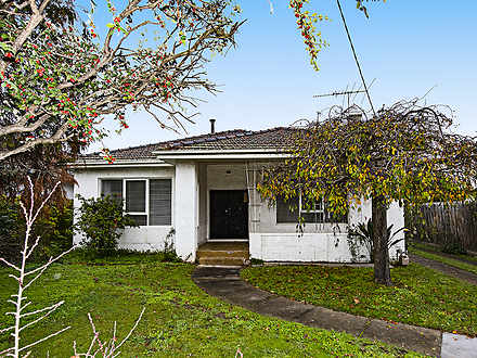 House - 19 Maxwell Grove, C...