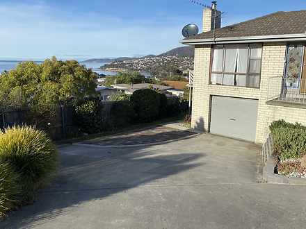 House - 1 Bay Court, Blackm...