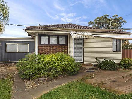 House - 305 Hoxton Park Roa...