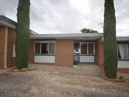 House - 2/45 Glencoe Street...