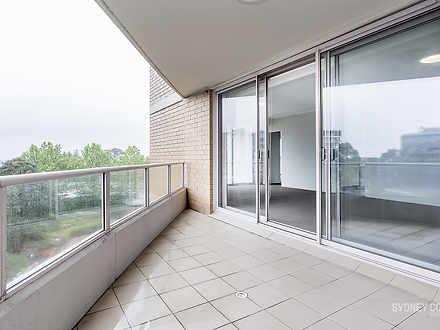 Abf65b2aaf2dd30bdeb15b92 balcony 1595909563 thumbnail