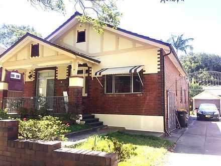 House - 26 Oak Street, Ashf...
