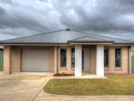 Townhouse - 432A Douglas Ro...