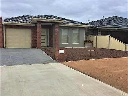 11/B Panorama Avenue, Melton West 3337, VIC Unit Photo