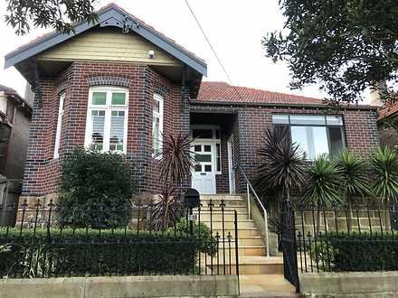 House - 1/12 Clarendon Road...