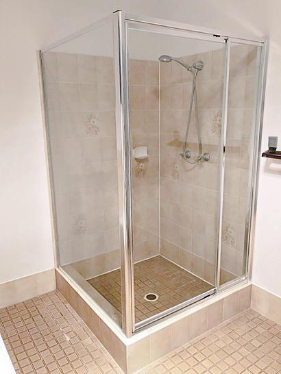 7b413f0e309aa686b7d1d3b6 4222 bathroom shower screen taps 1 1596179724 primary