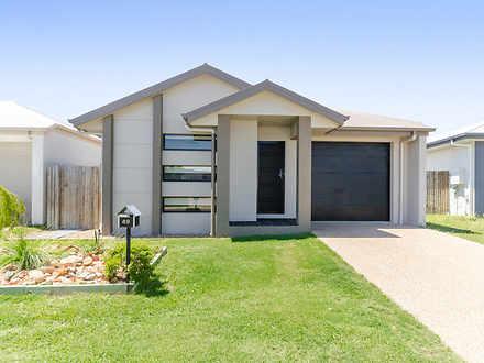 House - 49 Tasman Circuit, ...