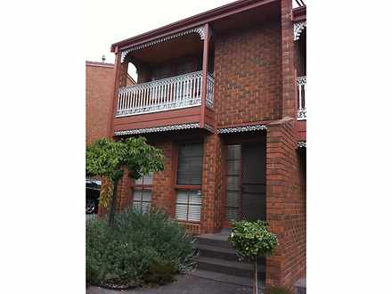Townhouse - 2/54 Banksia St...