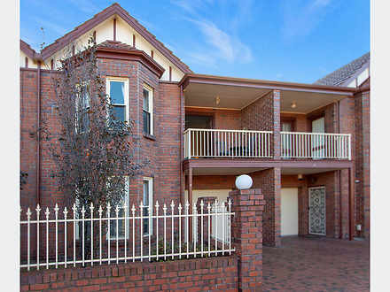 Townhouse - 5/432 Henley Be...