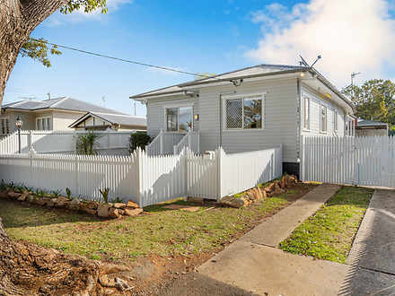 House - 23 Doncaster Street...