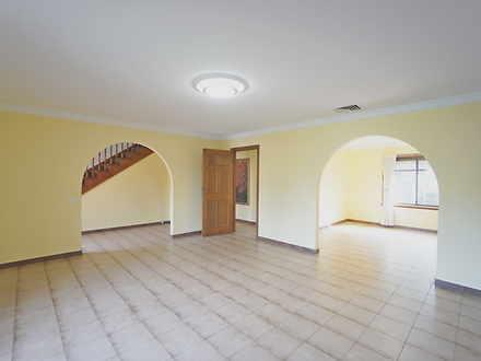House - 56 Yanderra Grove, ...