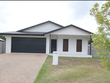 House - 8 Rangeleigh Court,...