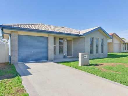 House - 2 Tasman Place, Tam...