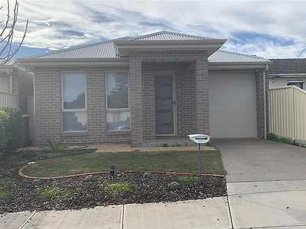 House - 41A Albany Crescent...