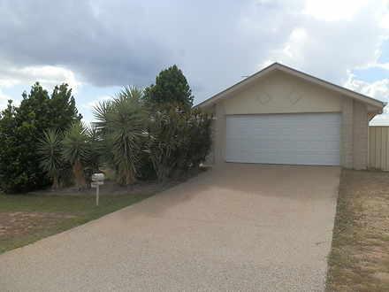 House - 4 Lakeside Drive, E...