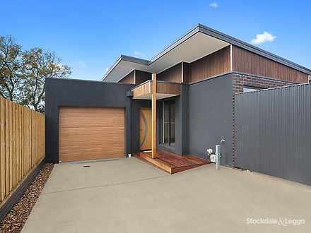 House - 2/97 Thornhill Road...
