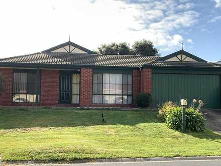 House - 12 Greenlea Grove, ...