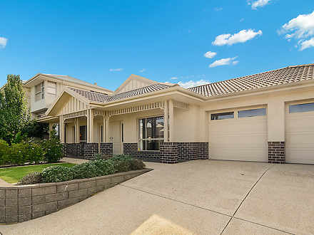 House - 16 Bluestone Drive,...