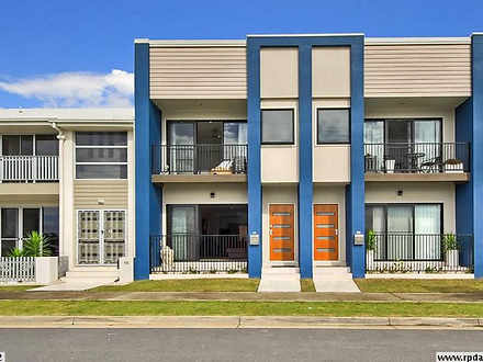 Townhouse - 205/18 South Ba...