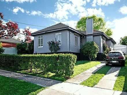House - 19 Heather Avenue, ...