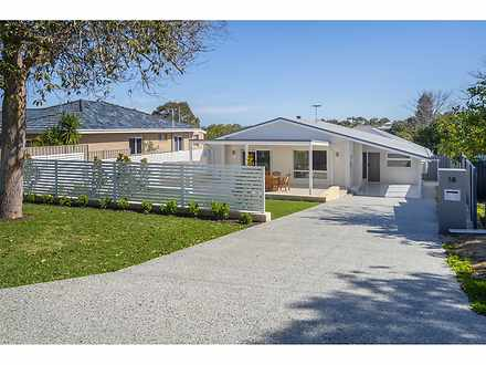 House - 18 Woodley Crescent...