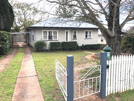 House - 5 Garde Street, Cen...