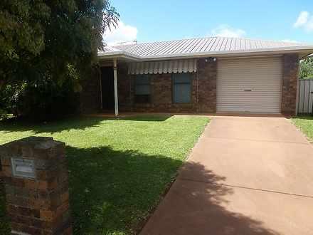 House - 4 Silky Oak Street,...