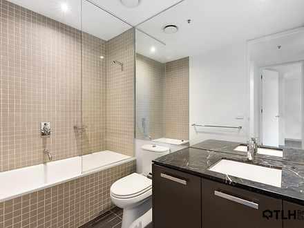 012f8211fbe828192d5c77ae main bathroom 4303 5f3dc7dfd4a0c 1597886821 thumbnail