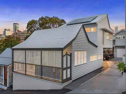 18 Kinross Street, Spring Hill 4000, QLD House Photo