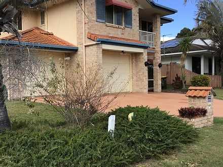 2 Foreshore Drive, Urangan 4655, QLD House Photo