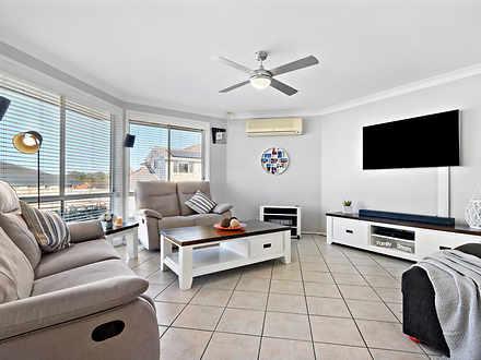 8803b7c03dbff7ac3045b276 26095 hires.5243 12 livingroom 1599448550 thumbnail